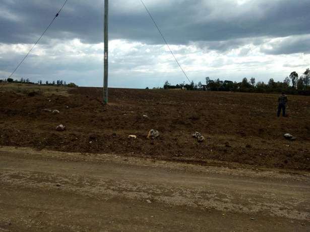 11 acters land Meru Town - image 2