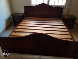 Kingsize bed with side beds