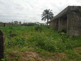 A plot with 6 nos. Self contain on Sars road, Rumuagholu