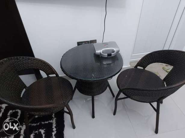Table with 2 chair