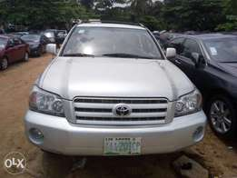 Very Clean Toyota Highlander 2005 (first body)