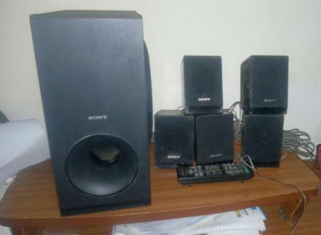 Sony hometheatre speakers and remote Kasarani - image 2