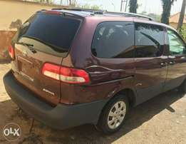 Very Sound and Clean Toyota Sienna for urgent Sale or Swap