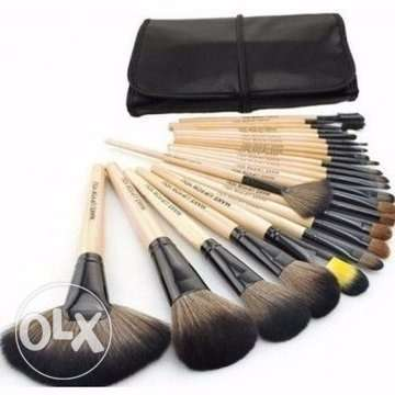 Bobbi Brown 24 Piece Makeup Brush Set Alimosho - image 1