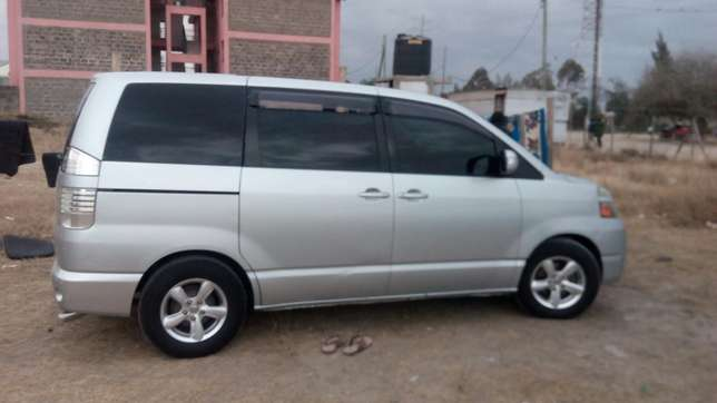 Clean Toyota Voxy for sale Mlolongo - image 5