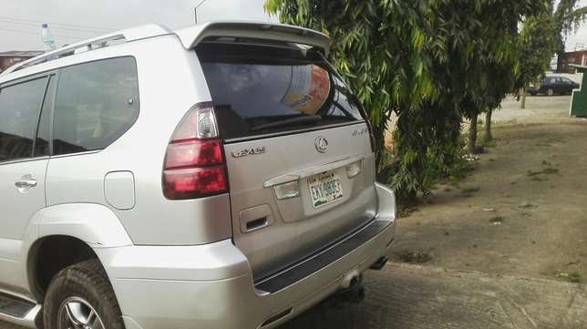 Nigerian used toyota Lexus first body very clean Agege - image 1