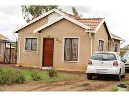 3 bedrooms house available for rental in Pretoria North-Rosslyn