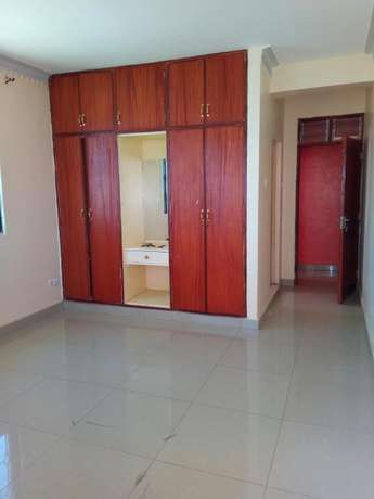 Smart two bedroom apartment to let Bamburi - image 3