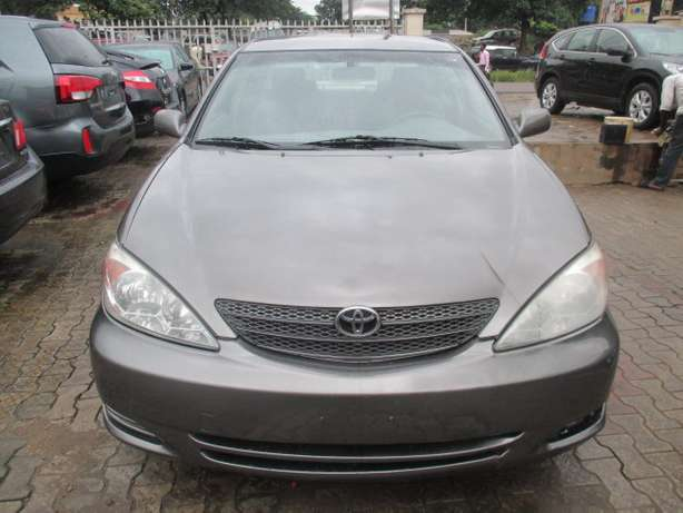 Very Clean Toyota Camry 03, Tokunbo Lagos Mainland - image 1