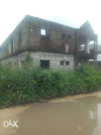 6 Flats of Semi Develped Property Behind the OAKS Hotel, Ughelli North - image 6