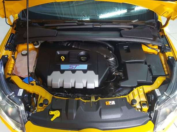2015 Ford Focus ST3 2.0 Ecoboost Newcastle - image 2