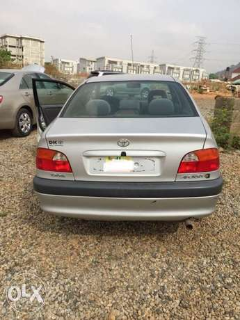 super clean Toyota Avensis 98 model for sale Abuja - image 5