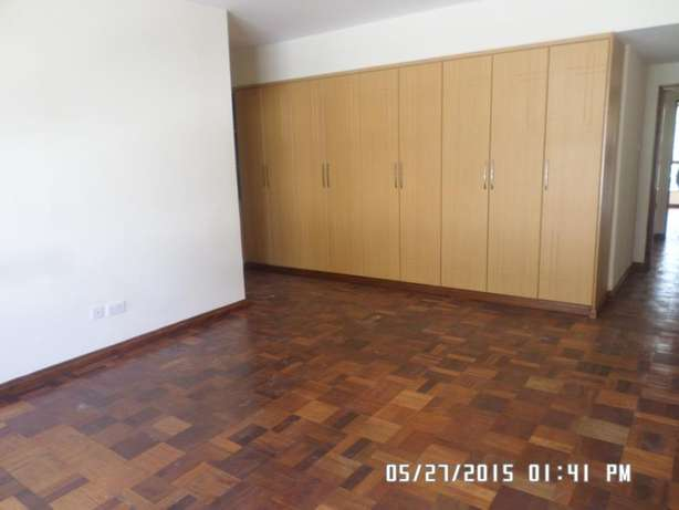 A 3 bed apartment all en-suite with SQ for rent close to the Junction Lavington - image 5