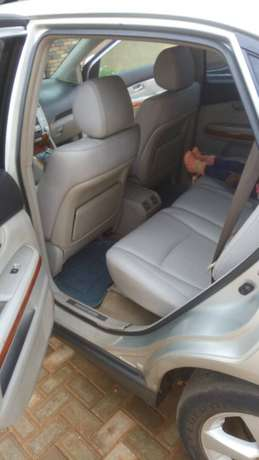 Lexus RX 330 price dropped to sell fast. Oshimili North - image 5