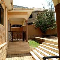 Executive two new bedroom two toilet house for rent in najjera at 500k