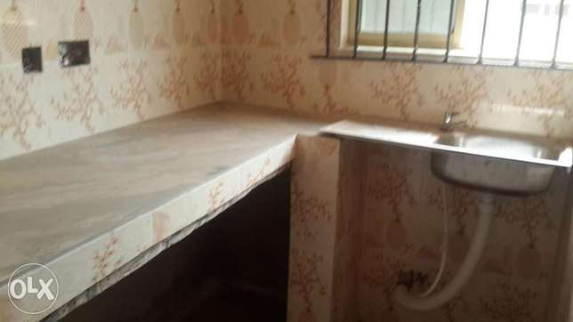 Cabineted room self con apartment to let Ikorodu - image 1