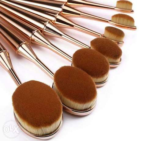 10 different sizes of Make up Brushes in a box for sell. Hurlingham - image 3