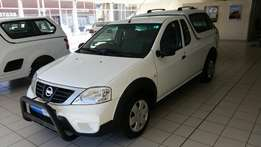 2013 Nissan NP200 160 i Dual Airbag with Canopy