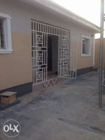 Newly built 2 bedrooms apartment for rent at SSS area, iletuntun Ibadan South West - image 1
