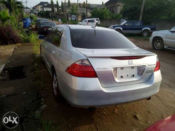2007 Honda Accord Hybrid Edition in PERFECT shape Ikeja - image 7