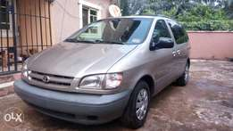 Toyota sienna LE, Year :2001, very clean, good interior.