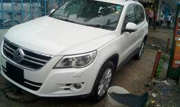 KCM 2010 Pearl Tiguan: Hire purchase accepted