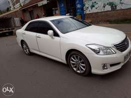 Toyota crown 2010 fully loaded