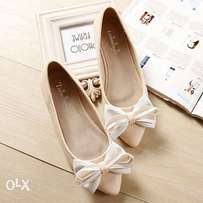 Bow pointed ballerina flats