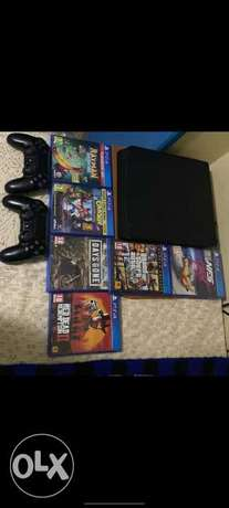Ps4 slim+2 controllers+6 games
