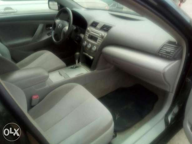 Flawless condition 2010 camry Isolo - image 2