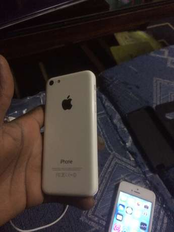 Iphone 5c Eastleigh South - image 2
