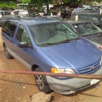 NIGERIAN USED Toyota Sienna, 2002. Very Okay.