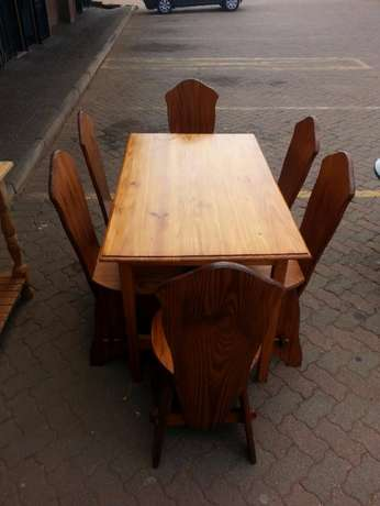 Wooden dining table with 6 wooden chairs for sale Pretoria - image 4