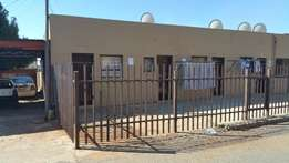 Bachelor flat to-Let Krugersdorp Richmond street