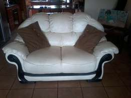 6 seater white leather lounge suit