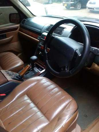 RANGE ROVER 4.0 HOUSE: Very neat,well maintained and in good condition Westlands - image 6