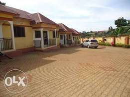 2,bedroom apartment for rent in kisaasi center at 420,000=