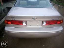 Tokunbo toyota camry accident free for sale 2001 model