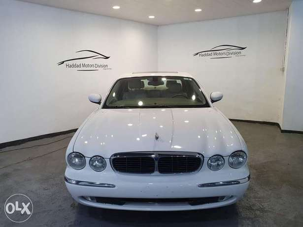 2004 Jaguar XJ V8 White/Beige Leather Clean Carfax All Service Done!