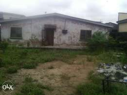Bungalow of 2/3bedroom flat setback at ketu near apolo estate. R/C