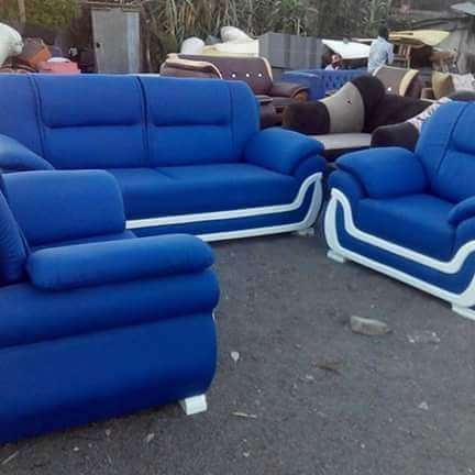 Unique blue couch Gikomba - image 1