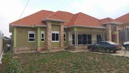 6 bedroom house sited on 30 decimals in Kira 4 sale at 650m Ugx