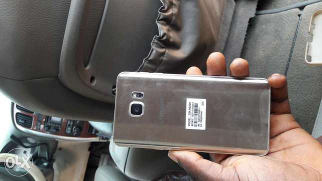 3 weeks old Galaxy Note 5 Dual SIM at give-away price Rumuola - image 5
