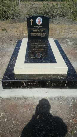 Tombstones and graves and memorial church plaques Westlands - image 6