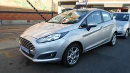 2014 model ford fiesta 1.6 hatchback,65 000km,for sale