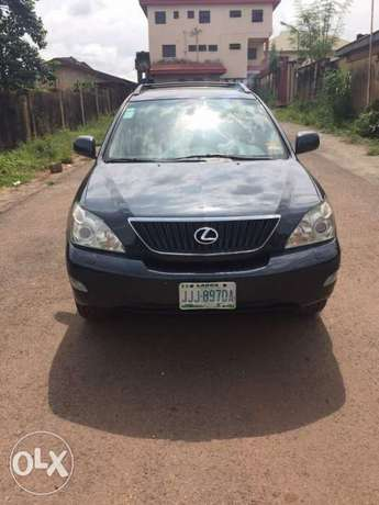 A very sharp and clean Nigerian use Lexus RX330 Gwarinpa - image 2