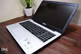 New in box Asus i7/1tb/8gb/15.6 inch