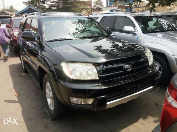 Foreign used 2005 Toyota 4runner. Limited edition. Direct tokunbo Lagos Mainland - image 3