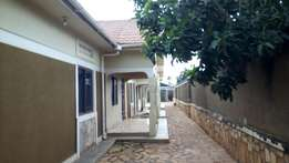 2 bedroom house for rent in Bweyogerere at 500k