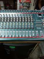 Yamaha 12 channel powered mixer